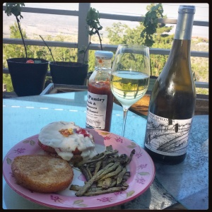2013 Vino de la Familia Blanca with vegan pairing: Quinoa Qrunch burgers glazed with prickly pear jelly and green chiles, with stir-fried nopales on the side, cooked for a friend's food blog. Malvasia really is so versitile.